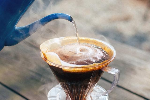 ドリップコーヒーは壁を超えないように注意