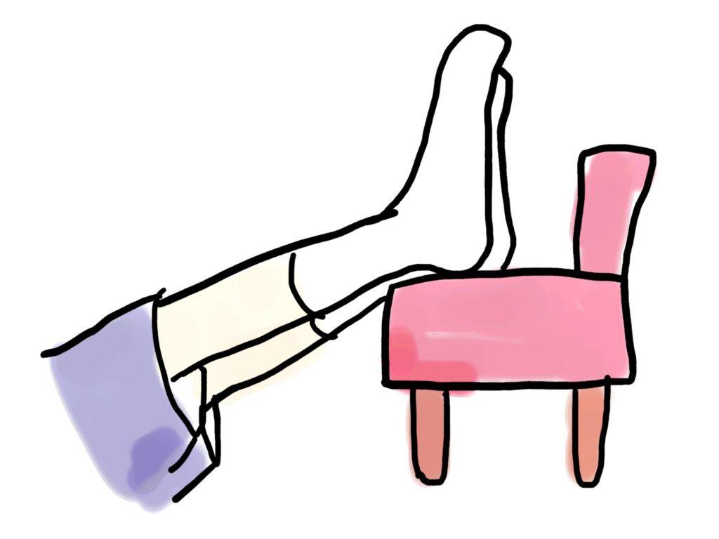 自宅や山小屋でやること。椅子がなければクッションでもかまいません