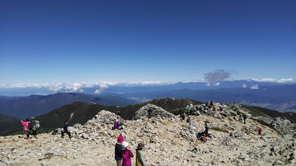 駒ヶ岳の山頂を堪能中