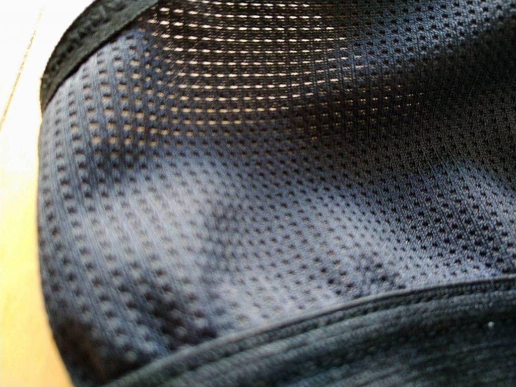 モンベルのブラジャーのメッシュ素材