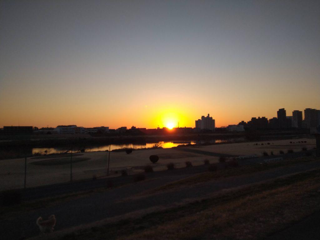 出発は日の出前