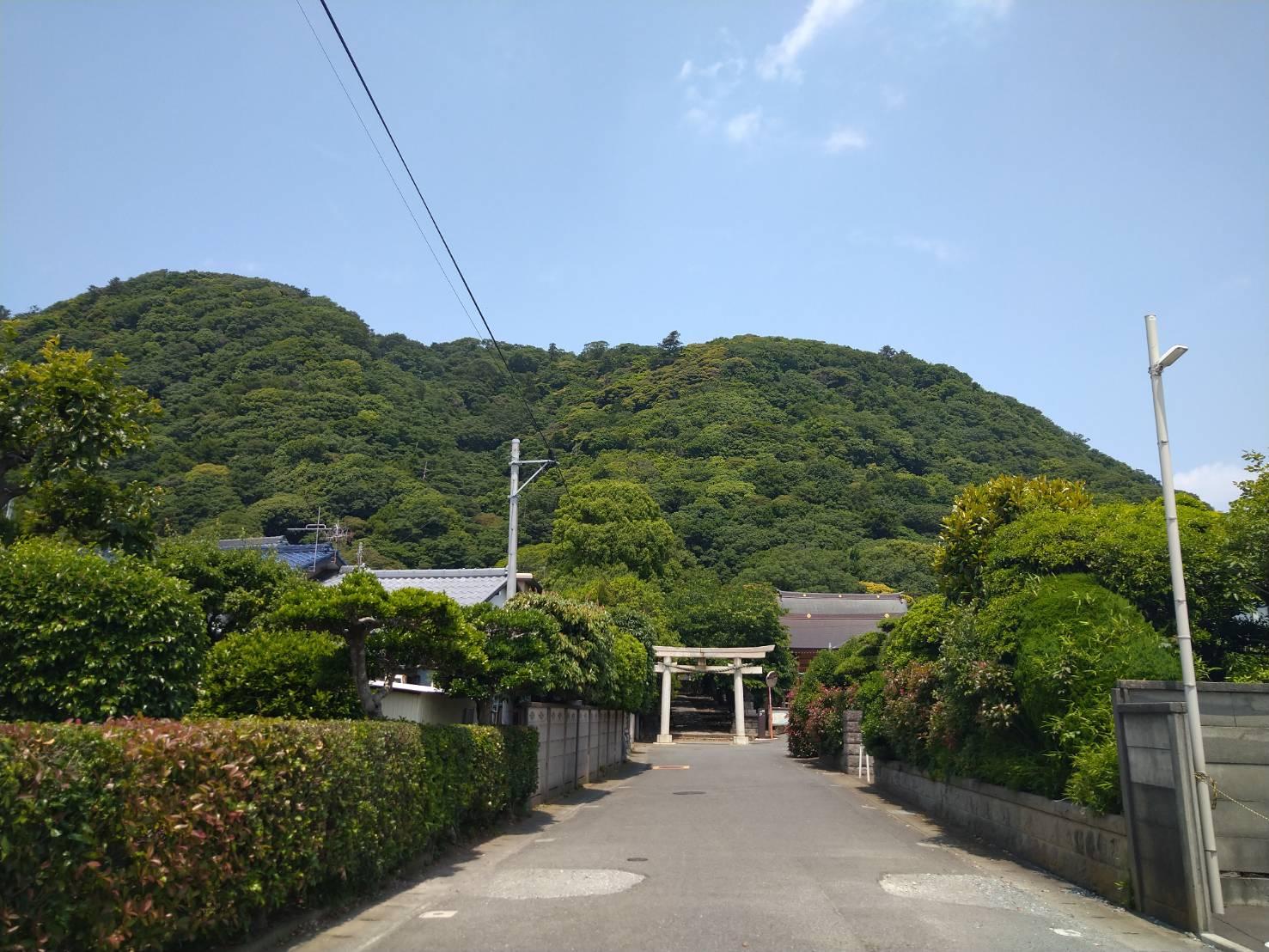 高来神社と高麗山